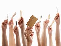 Массовый переход на кредитные карты